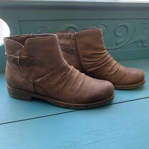 Baretraps Callahan ankle boot 8